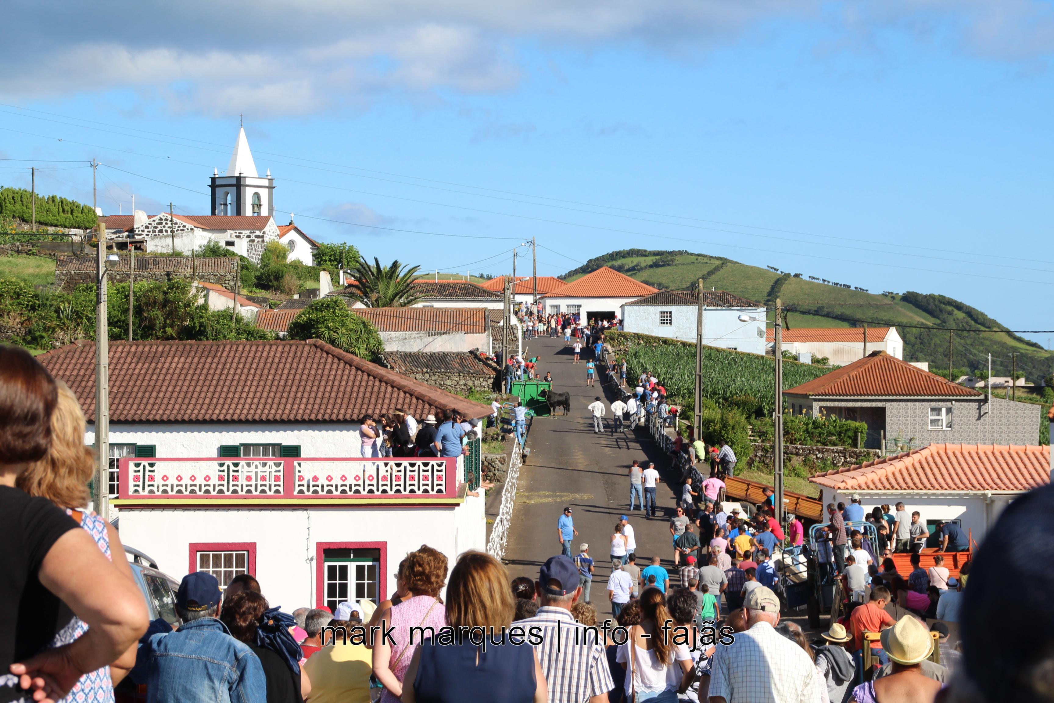 TOURADA À CORDA – BEIRA (VELAS) – (Ilha de São Jorge). (reportagem fotográfica)
