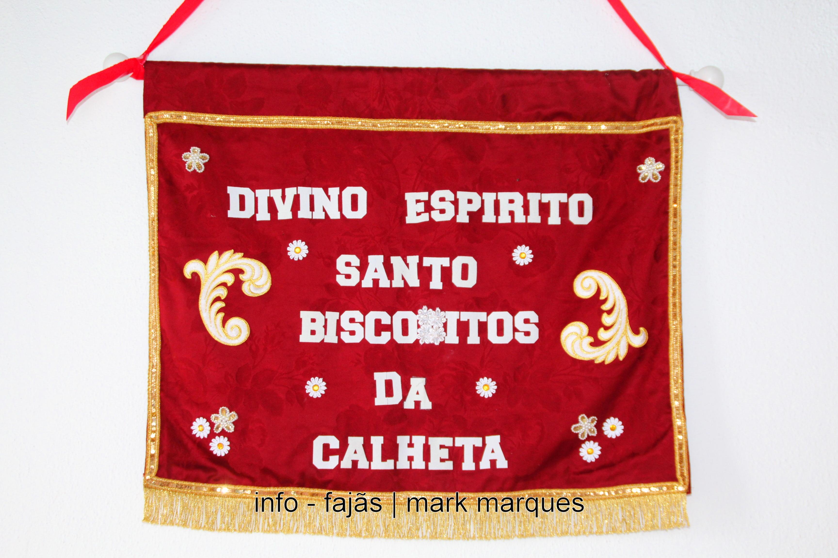 COROAÇÃO do DIVINO ESPÍRITO SANTO – BISCOITOS / CALHETA – São Jorge. (reportagem fotográfica)