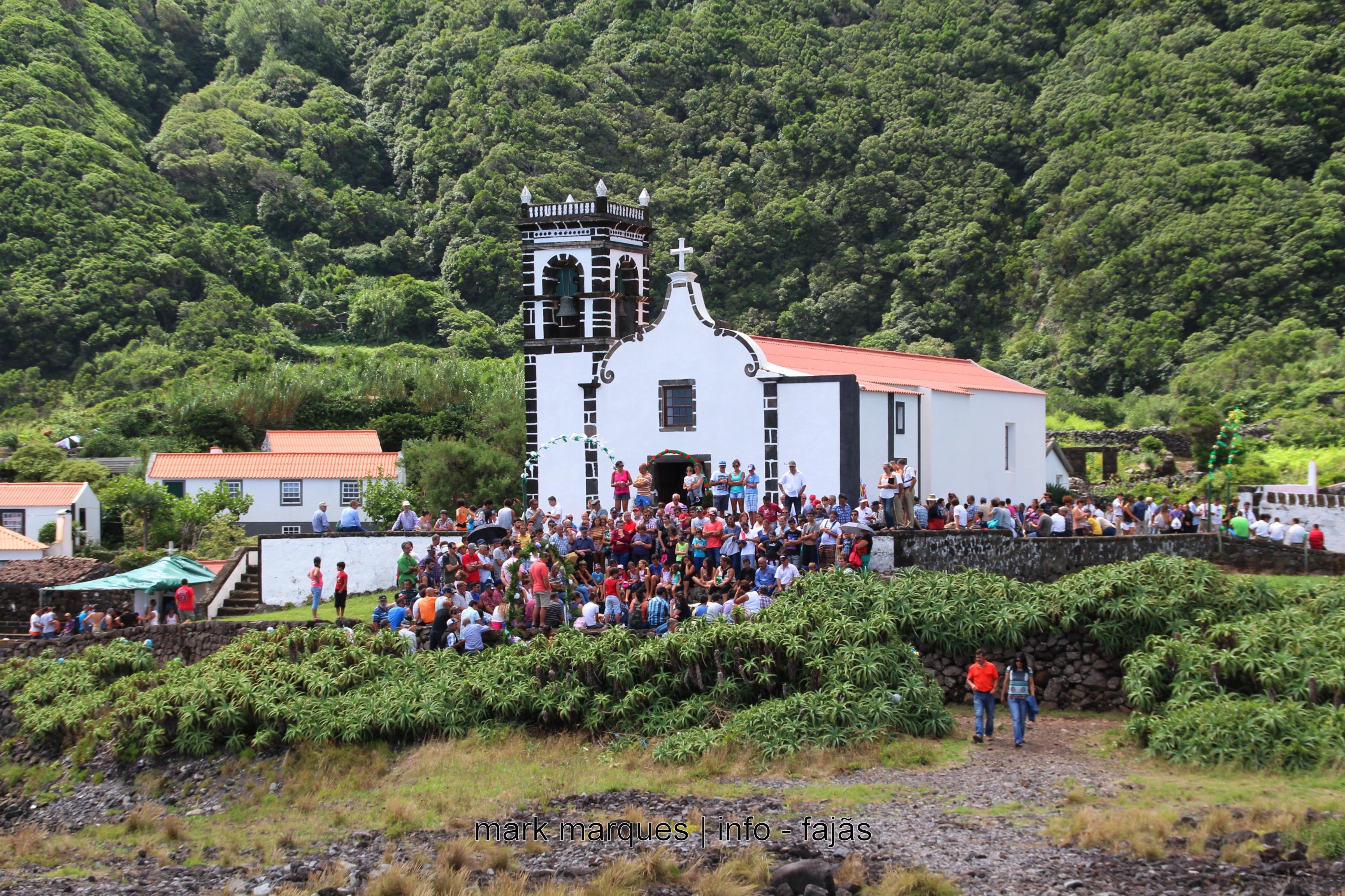 FESTA NA FAJÃ DA CALDEIRA DO SENHOR SANTO CRISTO – ILHA DE SÃO JORGE  (reportagens a desenvolver)