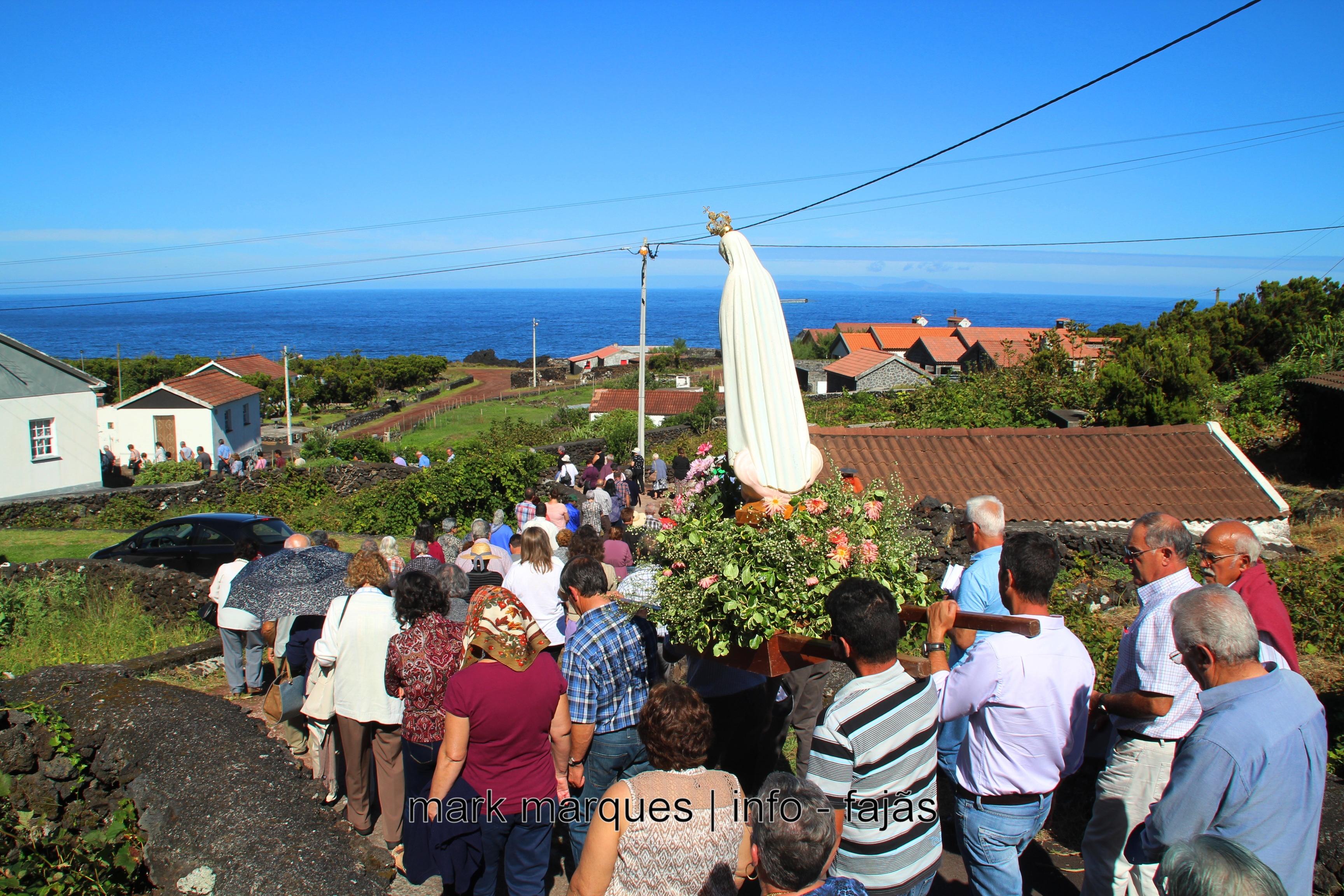 MISSA E PROCISSÃO – FAJÃ DA RIBEIRA D`AREIA – ILHA DE SÃO JORGE. (reportagem fotográfica)