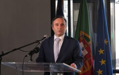 """Governo dos Açores quer """"aprofundar e evoluir o modelo de transporte marítimo"""", afirma Vítor Fraga"""