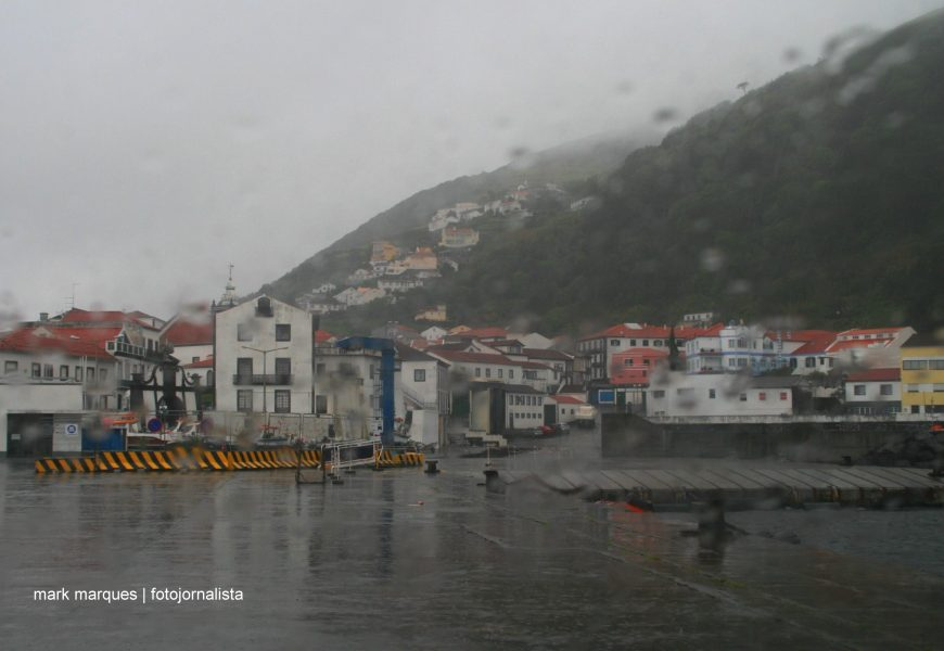 Proteção Civil alerta para previsão de chuva e trovoada em todo o arquipélago dos Açores