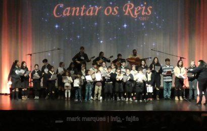 GRUPO DE REIS DO AGRUPAMENTO 771 DAS VELAS E AGRUPAMENTO 847 DE SANTO AMARO (Escuteiros) – Ilha de São Jorge. (c/ vídeo)