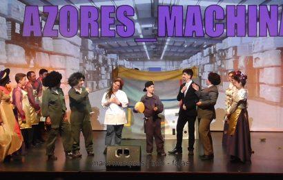 """BAILINHO DE CARNAVAL """"AZORES MACHINA"""" – (5ª de 6 partes) – Auditório Municipal das Velas – Ilha de São Jorge (c/ vídeo)"""