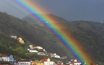 Proteção Civil alerta para previsão de chuva e trovoada em sete ilhas dos Açores (Grupo Ocidental e Central)