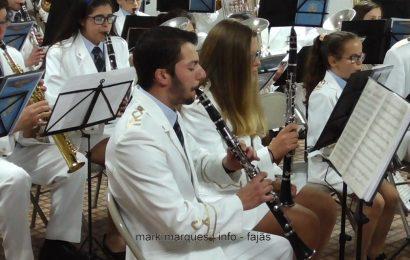 BANDA FILARMÓNICA DE SANTO AMARO – APRESENTAÇÃO REPERTÓRIO 2017 – (5ª de 7 peças) – Ilha de São Jorge (c/ vídeo)
