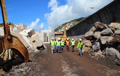 Deputados do PS visitam obras de ampliação do Porto Comercial das Velas e concretizam políticas de proximidade em São Jorge (c/ reportagem fotográfica)