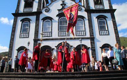 FESTA DO SANTÍSSIMO SACRAMENTO (Procissão) – URZELINA – Ilha de São Jorge (c/ reportagem fotográfica)