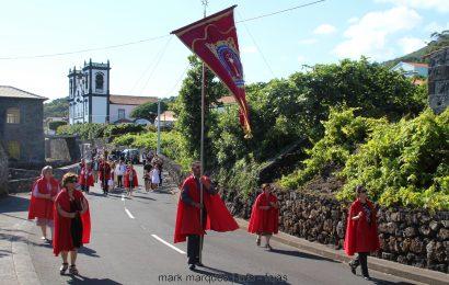 FESTA DO SANTÍSSIMO SACRAMENTO (PROCISSÃO) – URZELINA – Ilha de São Jorge (c/ vídeo)