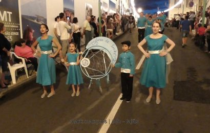 MARCHA DA ESCOLA BÁSICA E SECUNDÁRIA DE VELAS – FESTIVAL DE JULHO 2017 – CALHETA – Ilha de São Jorge (c/ vídeo)