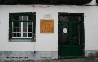 """""""Postos de Turismo em São Jorge não tem condições para quem lá trabalha, nem para receber com dignidade os turistas"""" afirma a Deputada Catarina Cabeceiras"""