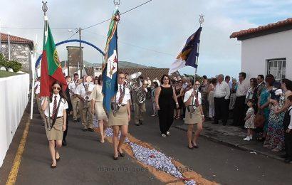 BANDA FILARMÓNICA UNIÃO POPULAR DESFILA NAS FESTAS DE SANTA ANA – BEIRA – Ilha de São Jorge (c/ vídeo)