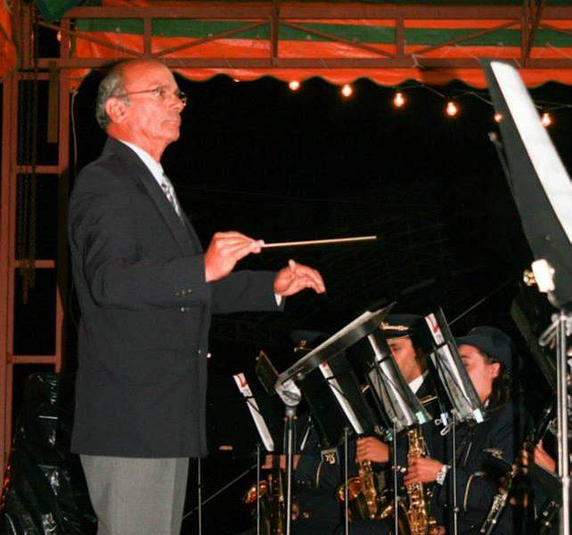 A batuta que dirigia para além da música (Opinião – Aires Reis)