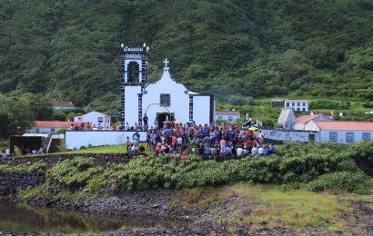 MISSA E ARREMATAÇÕES – FESTA NA CALDEIRA DE SANTO CRISTO – Ilha de São Jorge (c/ reportagem fotográfica)