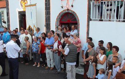 """""""FIÉIS CANTAM BOA NOITE MARIA"""" – FESTAS DA FAJÃ DO OUVIDOR – Ilha de São Jorge (c/ vídeo)"""