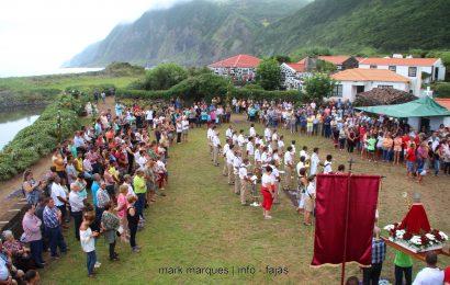 FESTA NA FAJÃ DA CALDEIRA DE SANTO CRISTO (PROCISSÃO) – Ilha de São Jorge (c/ vídeo)