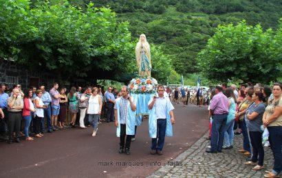 FESTA NA FAJÃ DOS CUBRES – PROCISSÃO EM HONRA DE Nª SRª DE LURDES – Ilha de São Jorge (c/ vídeo)