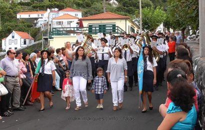 BANDA FILARMÓNICA DESFILA NAS FESTAS DA FAJÃ DO OUVIDOR – Ilha de São Jorge (c/ vídeo)