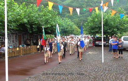 BANDA FILARMÓNICA DESFILA NA FESTA DA FAJÃ DOS CUBRES –- Ilha de São Jorge (c/ vídeo)