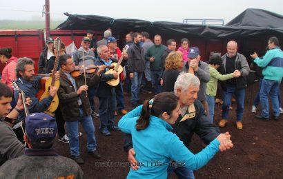 """""""CHAMARRITA"""" FESTA NA GANADARIA GABRIEL AZEVEDO – Ilha de São Jorge (c/ vídeo)"""