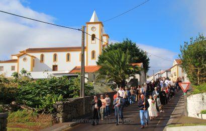 """EM DIA DE """"TODOS OS SANTOS"""", FIÉIS RUMAM AO CEMITÉRIO – SANTO ANTÃO – Ilha de São Jorge (c/ reportagem fotográfica)"""