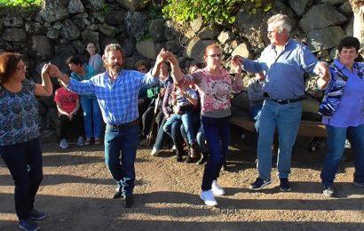 """""""CHAMARRITA"""" – FAJÃ DA SARAMAGUEIRA (Festa de São Martinho) – Ilha de São Jorge (c/ vídeo)"""