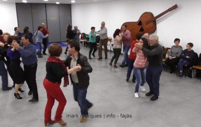 """""""CHAMARRITA"""" – BAILES REGIONAIS NO EDIFÍCIO SOL – Rosais – Ilha de São Jorge  (c/ vídeo)"""