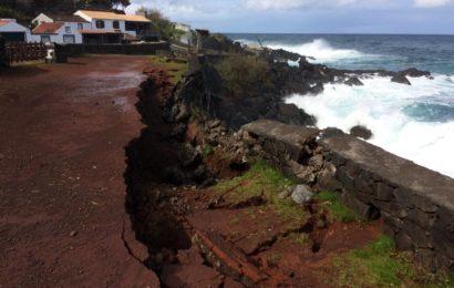 MAR PROVOCA ESTRAGOS NA FAJÃ DAS PONTAS – Norte Pequeno – Ilha de São Jorge