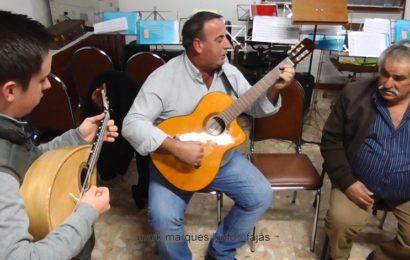 TOCADORES AFINAM AS VIOLAS E AQUECEM AS VOZES – Urzelina – Ilha de São Jorge (c/ vídeo)
