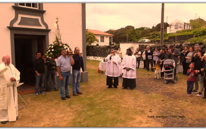 FIÉIS DESPEDEM-SE DE Nª SRª DE FÁTIMA – FAJÃ DA RIBEIRA D`AREIA – Ilha de São Jorge (c/ vídeo)