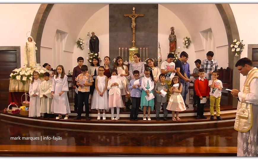 """Alunos da Catequese de Santo Antão assinalam """"O DIA DA MÃE"""" – Ilha de São Jorge (c/ vídeo)"""