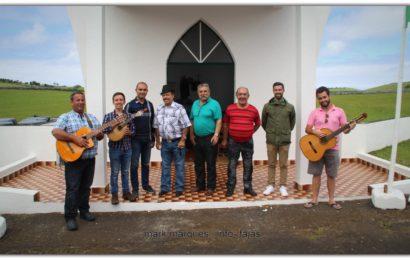 CANTADORES SAÚDAM ERMIDA DE SANTO ANTÃO – Festa no Terreiro da Macela / Beira – Velas – Ilha de São Jorge (c/ vídeo)