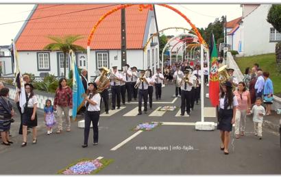 """""""RECREIO NORTENSE"""" DESFILA NA FESTA DE Nª SRª DAS NEVES – Norte Grande – Ilha de São Jorge (c/ vídeo)"""
