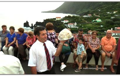 AS TRADICIONAIS ARREMATAÇÕES – FESTA DE Nª SRª DAS DORES – FAJÃ DO OUVIDOR – Norte Grande – Ilha de São Jorge (c/ vídeo)