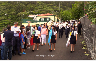 RECREIO NORTENSE DESFILA NA FESTA DE Nª SRª DAS DORES – FAJÃ DO OUVIDOR – Norte Grande – Ilha de São Jorge (c/ vídeo)