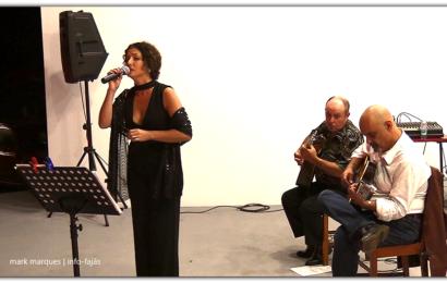 """NOITE DE FADO COM """"LINA MONTEIRO"""" NA FESTA DE Nª SRª DAS DORES – FAJÃ DO OUVIDOR – Norte Grande – Ilha de São Jorge (c/ vídeo)"""