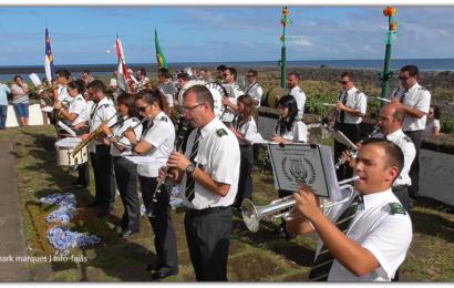 BANDA FILARMÓNICA NOVA ALIANÇA CUMPRIMENTA IGREJA DE SANTO CRISTO – FAJÃ DE SANTO CRISTO – Ilha de São Jorge (c/ vídeo)