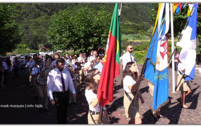 """""""UNIÃO POPULAR"""" DESFILA NA FAJÃ DOS CUBRES – FESTA DE Nª SRª DE LOURDES"""" – Ilha de São Jorge (c/ vídeo)"""