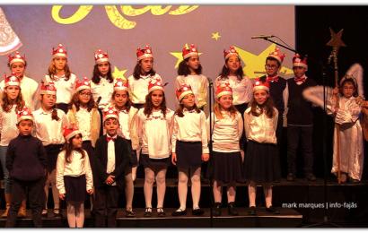 """Grupo de Reis """"Flocos de Natal"""" da Catequese de Velas – Auditório Municipal de Velas (c/ vídeo)"""