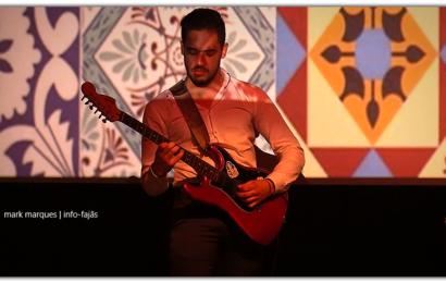 """DÁRIO GONÇALVES músico convidado pelos """"FADOBRAVO""""- Auditório Municipal de Velas – Ilha de São Jorge (c/ vídeo)"""