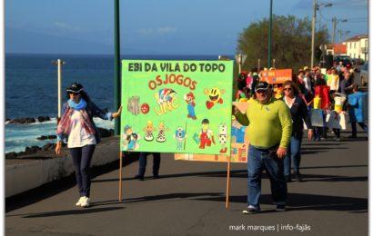 DESFILE DE CARNAVAL NA VILA DA CALHETA – Ilha de São Jorge (c/ vídeo)