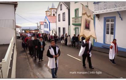 PARÓQUIA DE SANTO ANTÃO, ORGANIZA PROCISSÃO DA RESSURREIÇÃO DO SENHOR – Ilha de São Jorge (c/ vídeo)