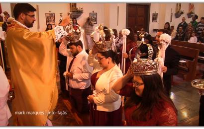 MOMENTO SOLENE DA COROAÇÃO – 2º JANTAR EM LOUVOR DO DIVINO ESPÍRITO SANTO – Freguesia de Santo Antão – Ilha de São Jorge (c/ vídeo)