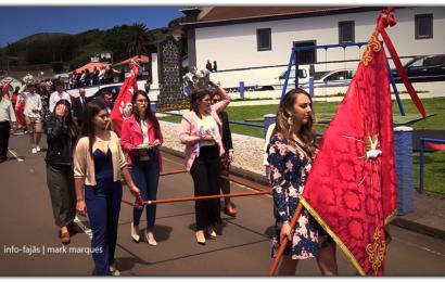 CORTEJO DE COROAÇÃO DO DIVINO ESPÍRITO SANTO – Freguesia dos Rosais – Ilha de São Jorge (c/ vídeo)