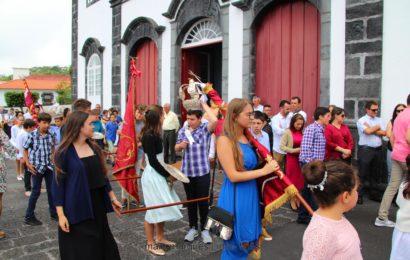 FESTA EM LOUVOR DO DIVINO ESPÍRITO SANTO (MOMENTOS) – Freguesia da Urzelina – Ilha de São Jorge (c/ reportagem fotográfica)