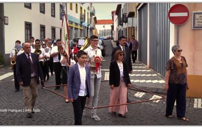 """CORTEJO DE COROAÇÃO DO """"IMPÉRIO DA QUINTA-FEIRA"""" – Vila das Velas – Ilha de São Jorge (c/ vídeo)"""