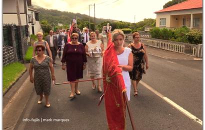 CORTEJO DE COROAÇÃO – BOA HORA / SANTO AMARO – Ilha de São Jorge (c/ vídeo)