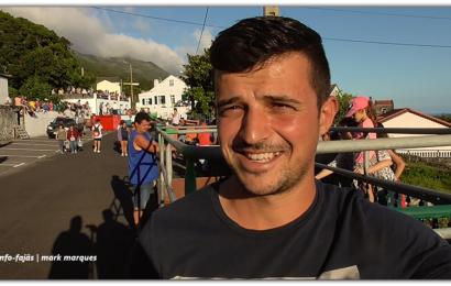 """Os """"CAPINHAS"""" nas Touradas à Corda – Ilha de São Jorge (c/ vídeo)"""