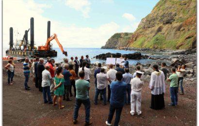 ARRANCARAM AS OBRAS NO PORTO DO TOPO – Ilha de São Jorge  (c/ vídeo)