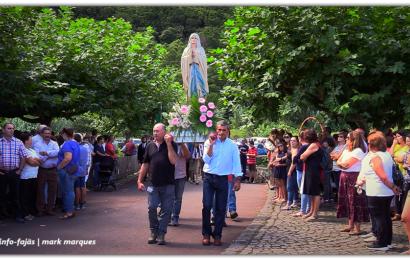 """""""PROCISSÃO"""" – FESTA DE Nª SRª DE LOURDES"""" – Fajã dos Cubres – Ilha de São Jorge (c/ vídeo)"""